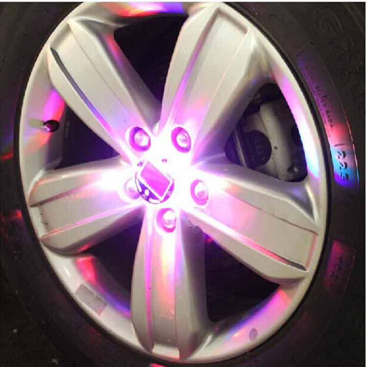 雅尼路 汽车改装 太阳能轮毂灯 七彩轮弧灯爆闪灯风火轮高清图片